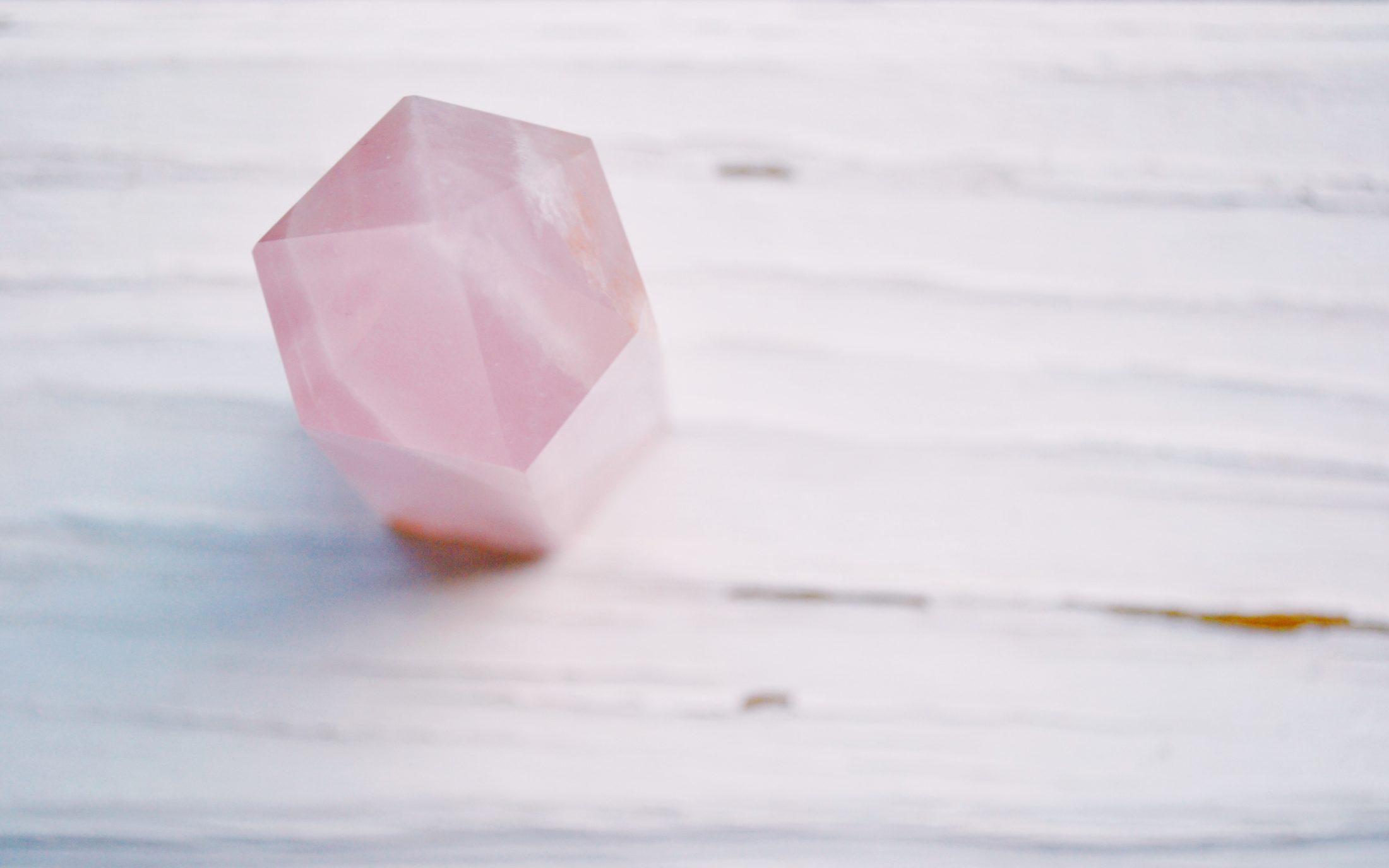 cristal de cura para cachorro em quartzo rosa