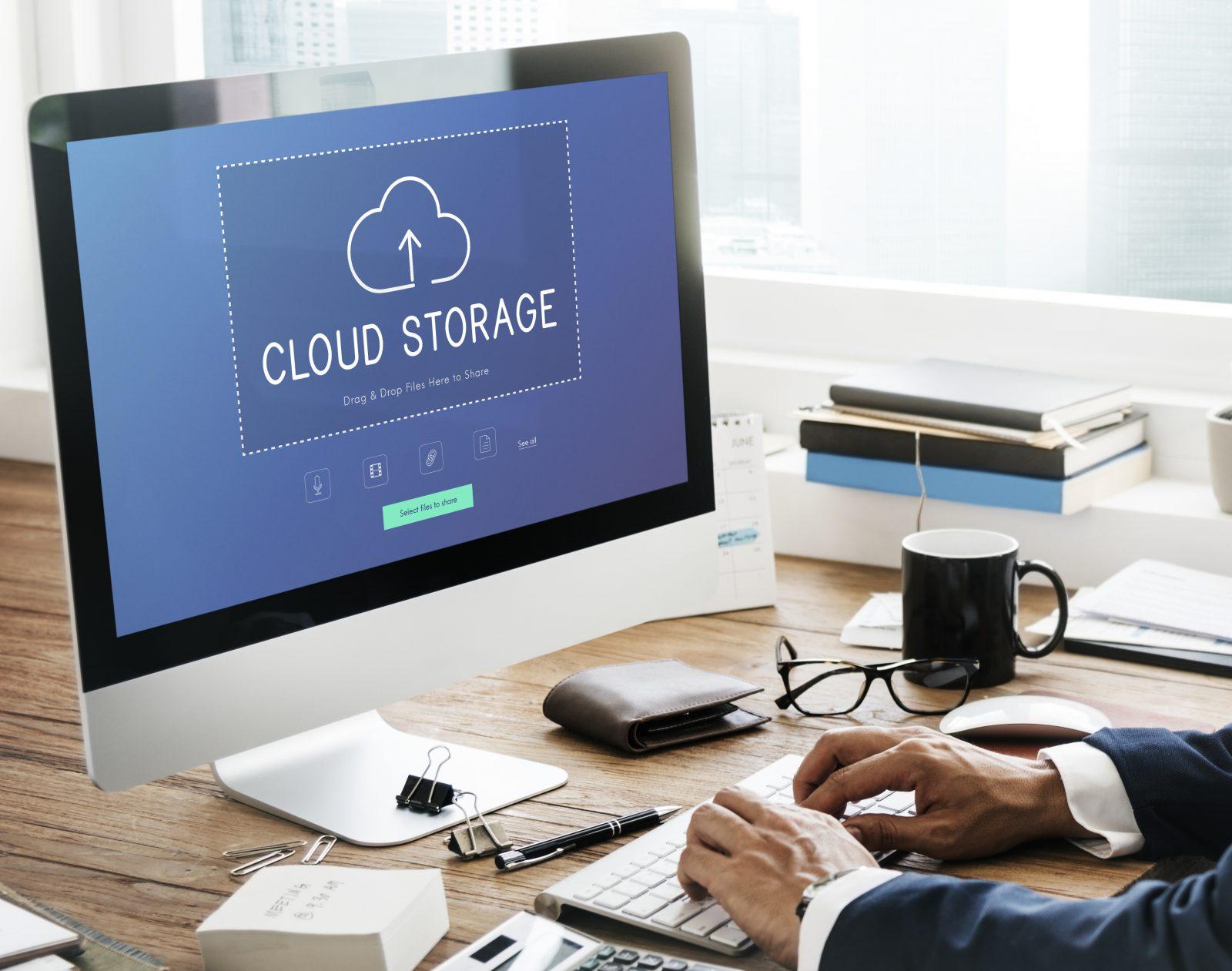 inteligencia-artificial-computador-data-nuvem
